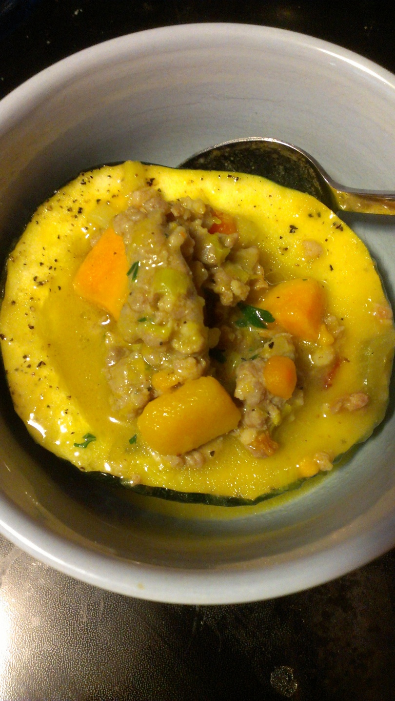 Paleo chowder in roasted acorn squash cup