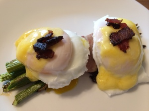 Paleo and Whole 30 eggs benedict